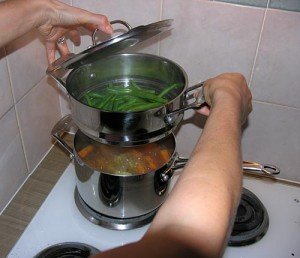 Steaming vegetables in a smart and practical way.