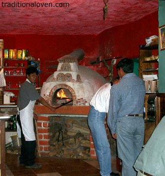 Restaurant in Peru with a pizza on menu.