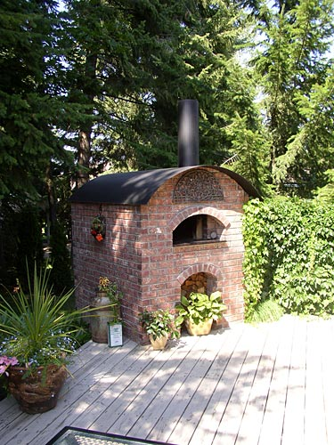 Wood fired pizza oven built in British Columbia Canada.
