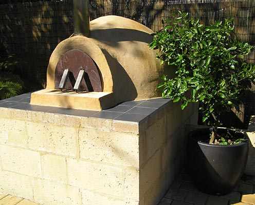 Round igloo pizza oven built in Perth.