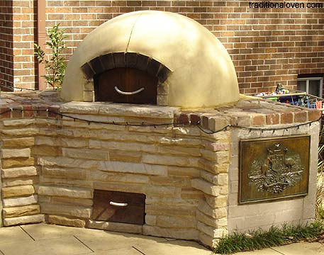 Backyard round oven by Martin.
