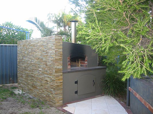 Wood fired pizza oven by Steve in Perth Australia.