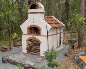 Masterly tail pizza oven.