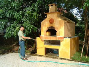 Bangkok wood burning oven built by Peter.