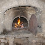 Igloo round stone oven at four-a-pain in France.