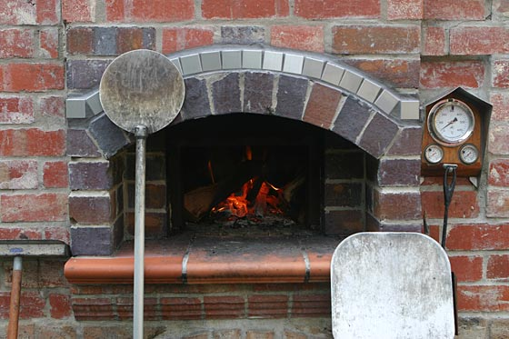 Brick Oven With Temperature Gauge