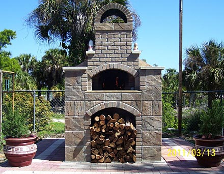 A pizza oven picture.