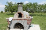 Firebrick oven for cooking pizzas