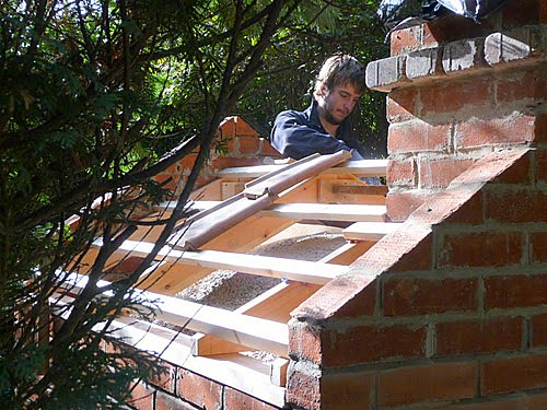 Making roof on cottage pizza oven
