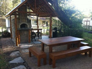 Patio and oven with stone veneer