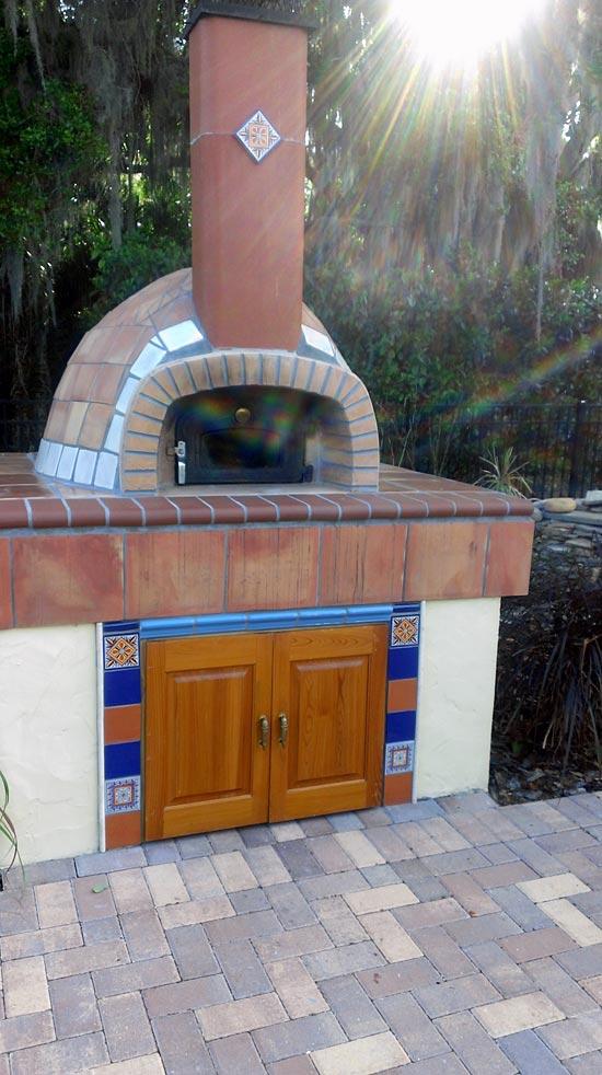 Pizza oven half-spherical.
