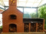 Oven which has glass-factory bricks inside
