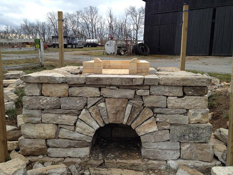 Natural Stone Structure : Work of art with natural stones